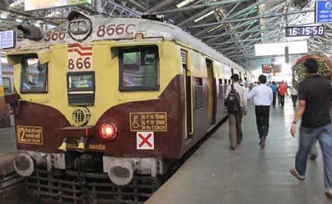 होली से पहले रेलवे ने कैंसिल कर दीं कई ट्रेन, यहां देखें लिस्ट
